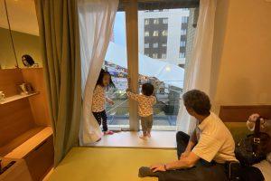 【USJオフィシャル】こあがりソファが子どもに大人気!シンギュラリホテルに宿泊